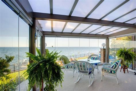 sunroom addition, wind protection on porch, wind wall for