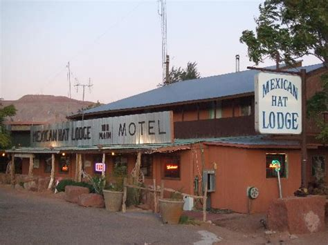 The Mexican Hat Lodge - Picture of Mexican Hat Lodge and