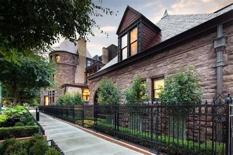 Beautiful Historic Mansion in Chicago Will Make You Wish
