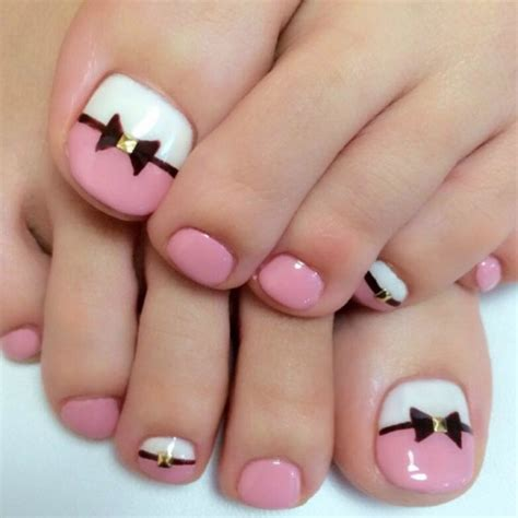 35 Simple and Easy Toe Nail Art Design Ideas You Can Try