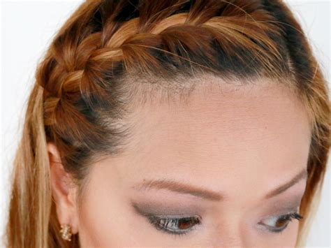 How to French Braid Your Bangs to the Side: 10 Steps